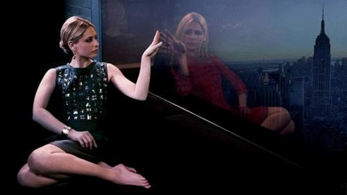 Ringer TV Series Sarah Michelle Gellar Pose